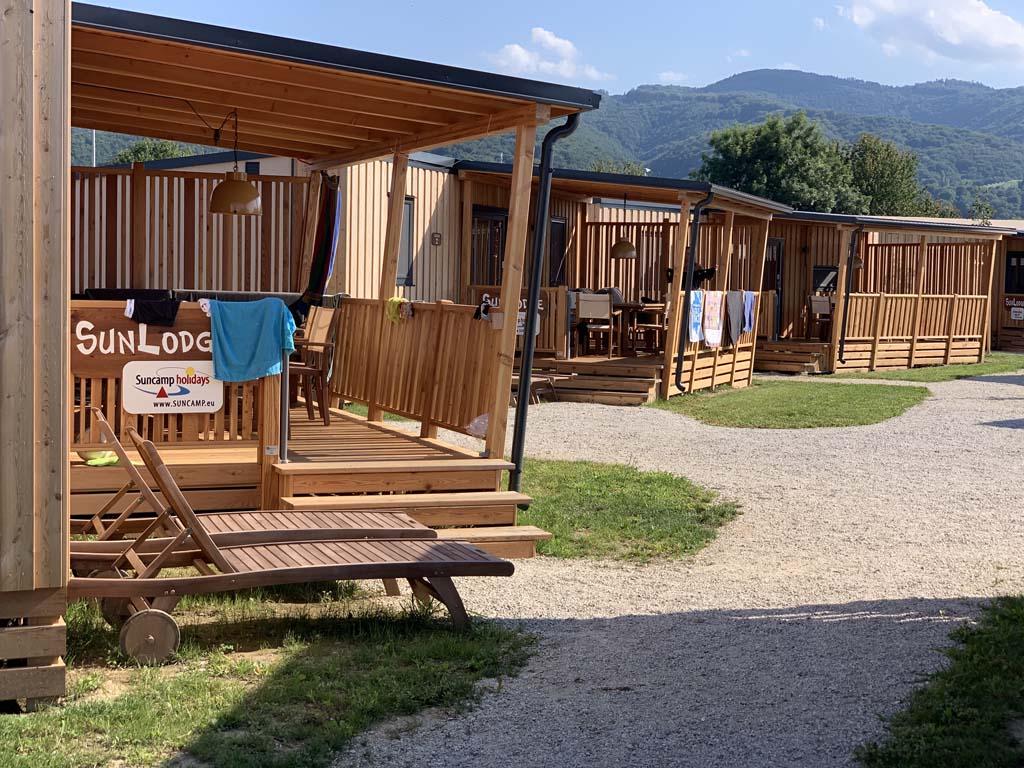 Genoeg keuzes uit stacaravans op camping Terme Catez.