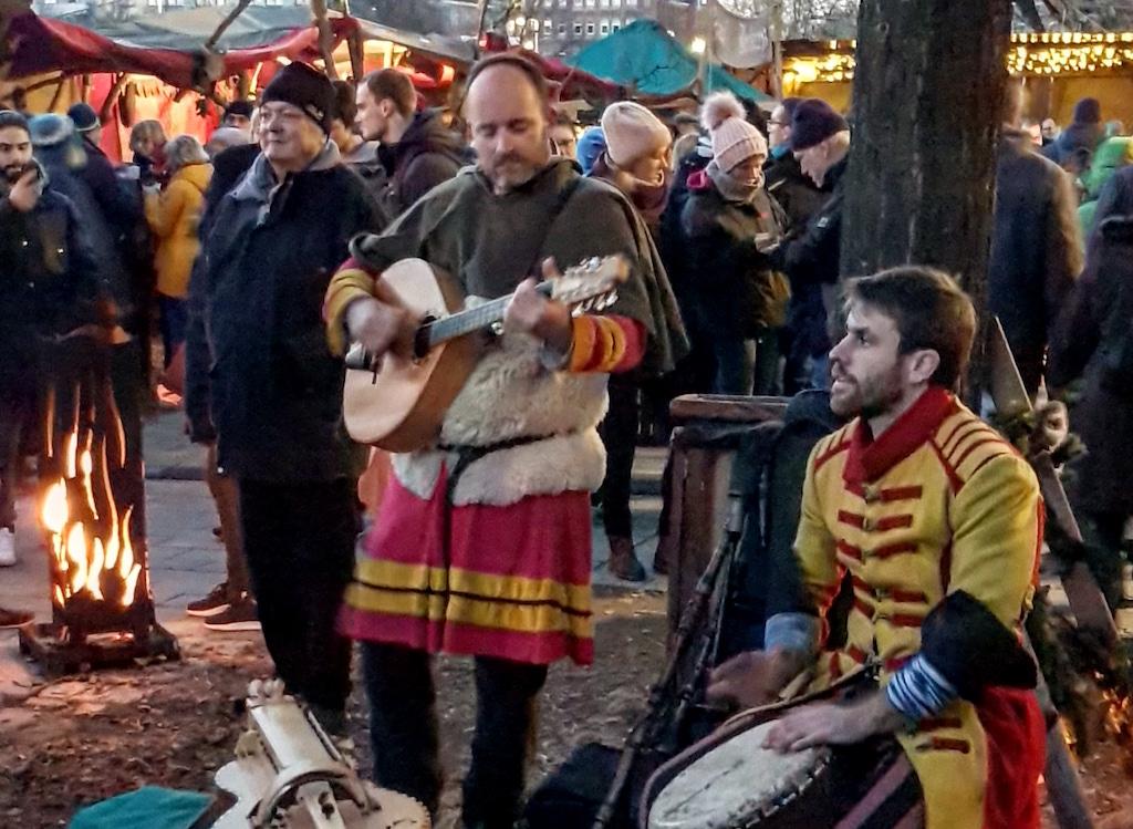 Entertainment op de kerstmarkt