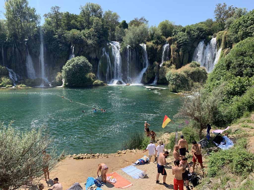 Wauw, wat is de Kravica waterval mooi!