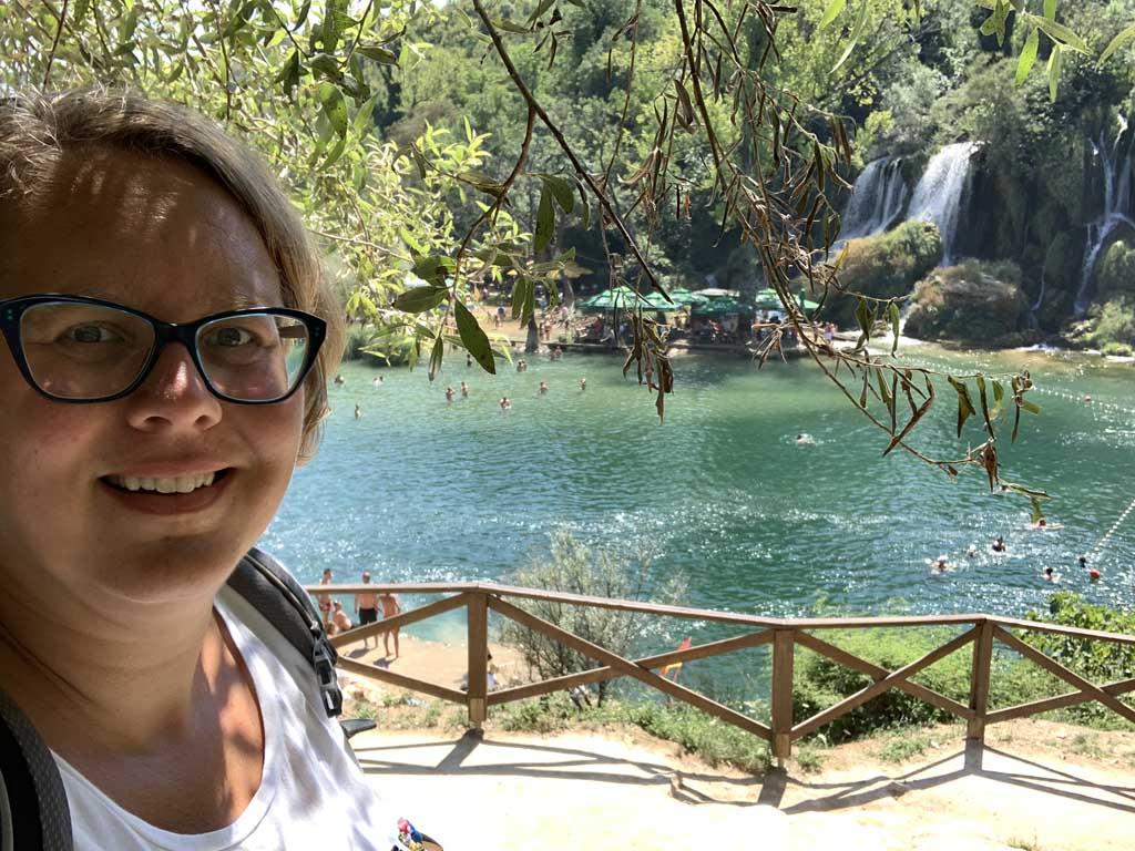Ook al was ons bezoek aan de Kravica waterval korter dan vooraf bedacht, het was wel meer dan de moeite waard.
