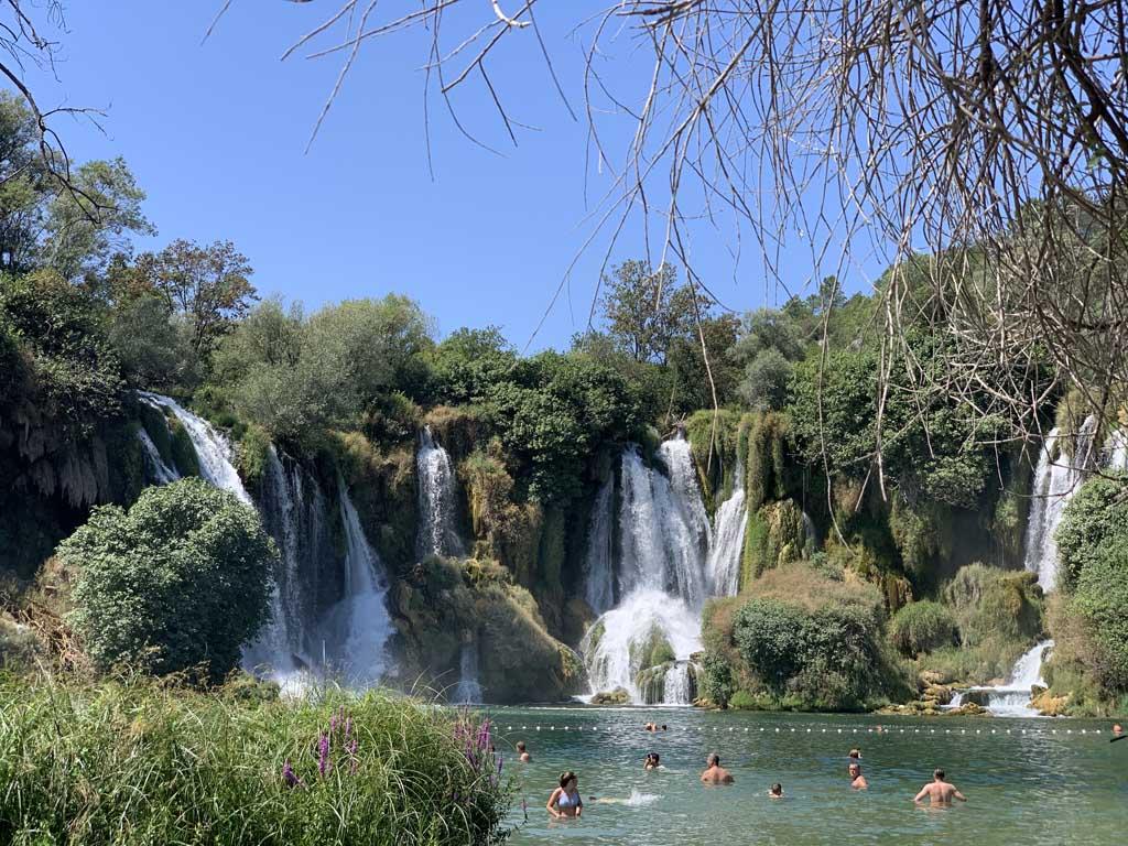 De Kravica watervallen, zo mooi!