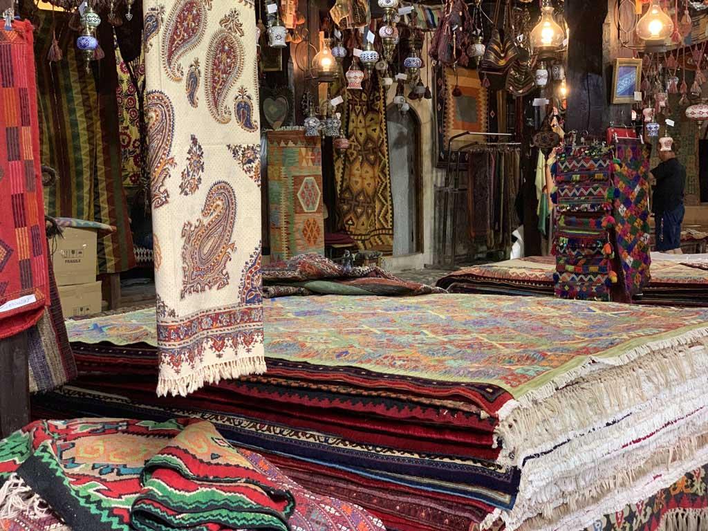 Genoeg te shoppen op de Oosterse bazaar.