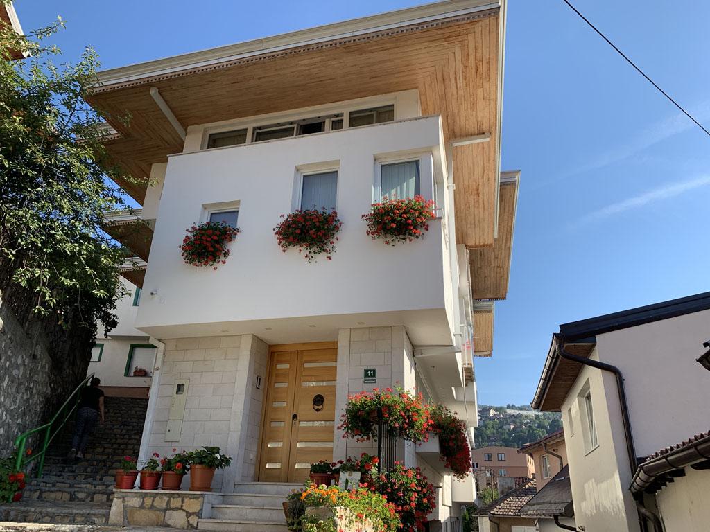 Residence Mahala ligt vlakbij het centrum van Sarajevo.