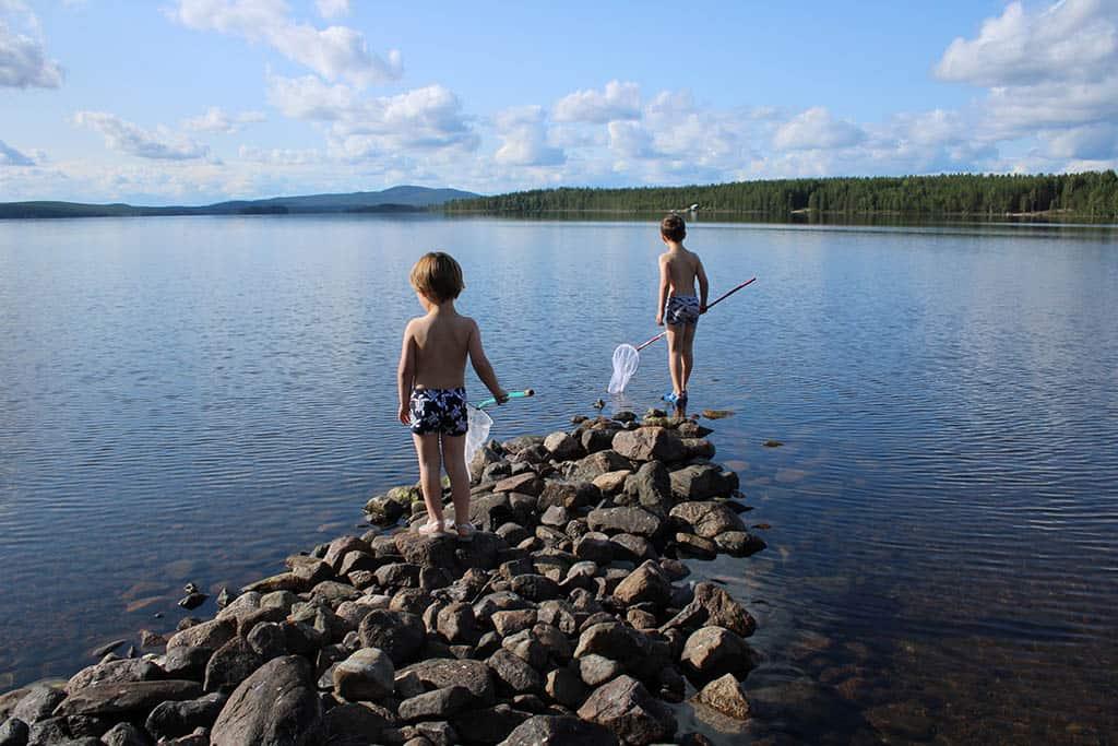 Bij mooi weer is Zweeds Lapland direct de hemel op aarde. Overal kraakhelder zwemwater!