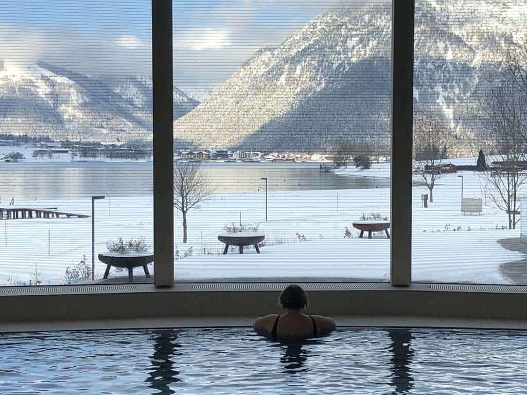 Zwemmen met dit uitzicht is magisch!