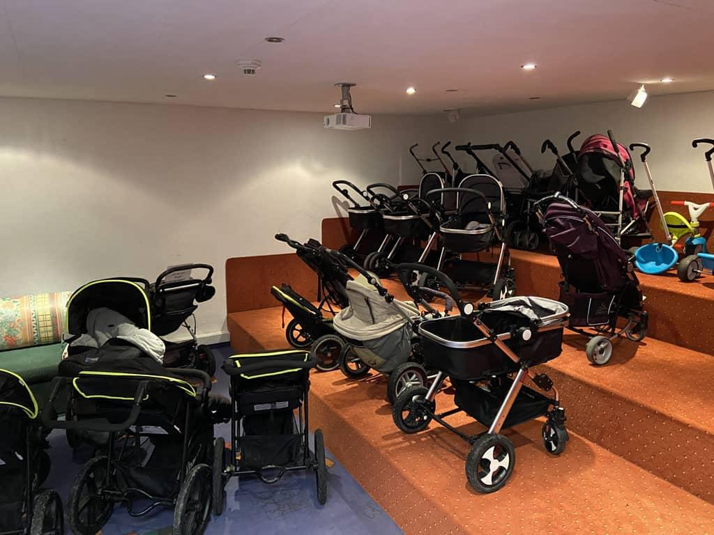 Bij Alpenresidenz Ballunspitze kan je heel veel gratis baby items lenen, zoals kinderwagens.