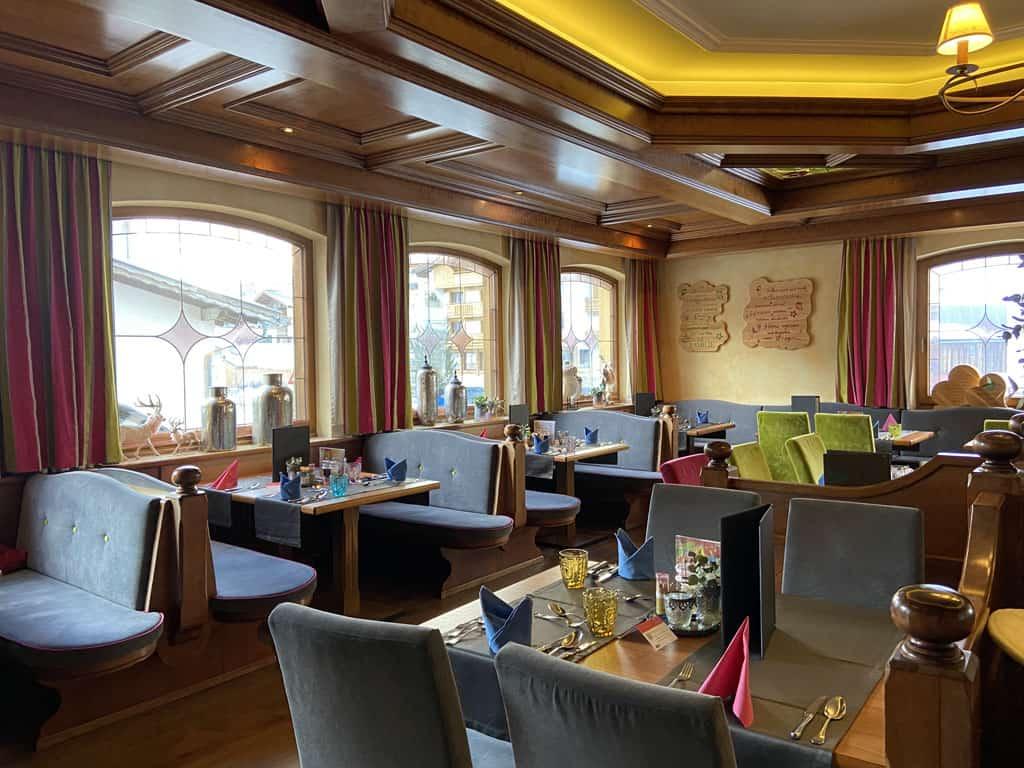 Relaxt ontbijten, lunchen en dineren in Alpenresidenz Ballunspitze.