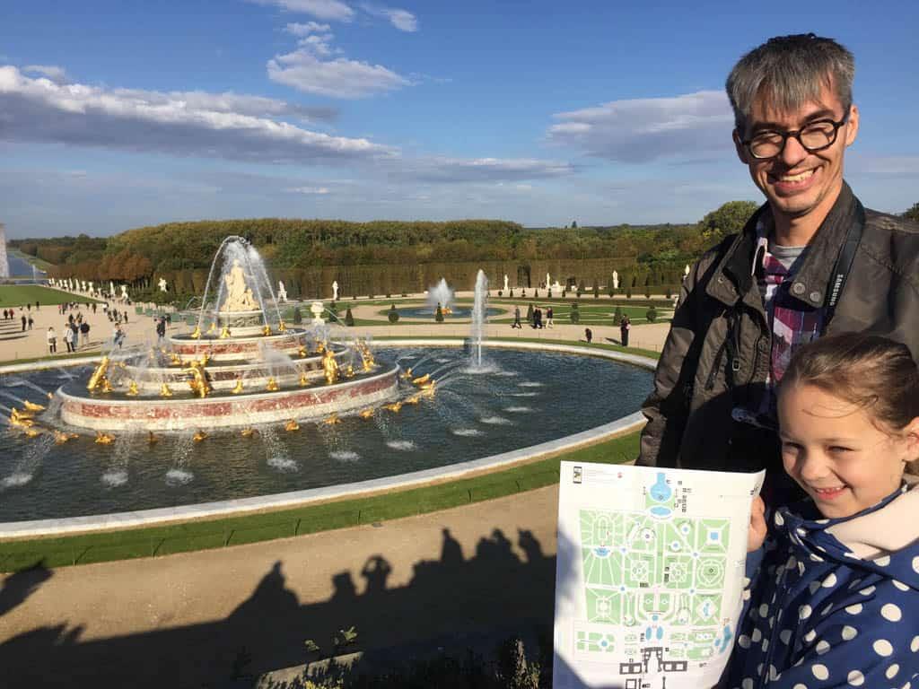 De fonteinshow in de tuin van het paleis van Versailles.