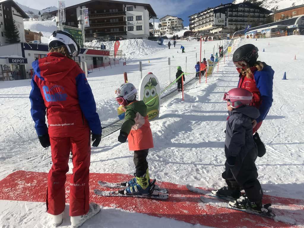 In Galtür zijn verschillende skischolen.