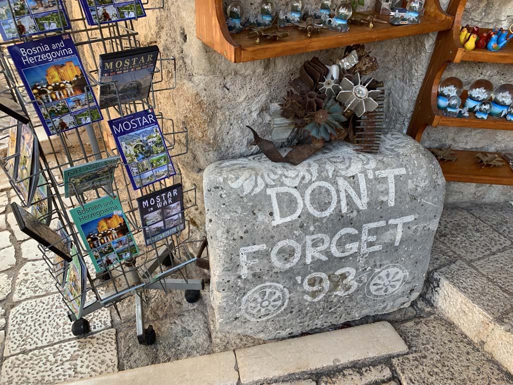 Herinneringen aan de oorlog en toerisme, ze lijken hier hand in hand te gaan.