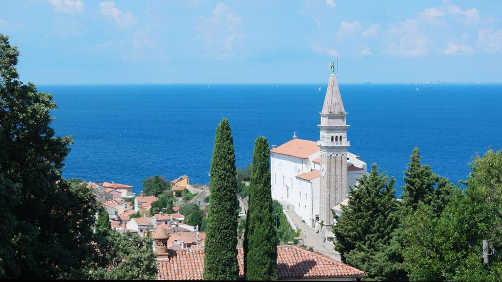 Een van de mooie plaatsjes aan de Sloveense kust.