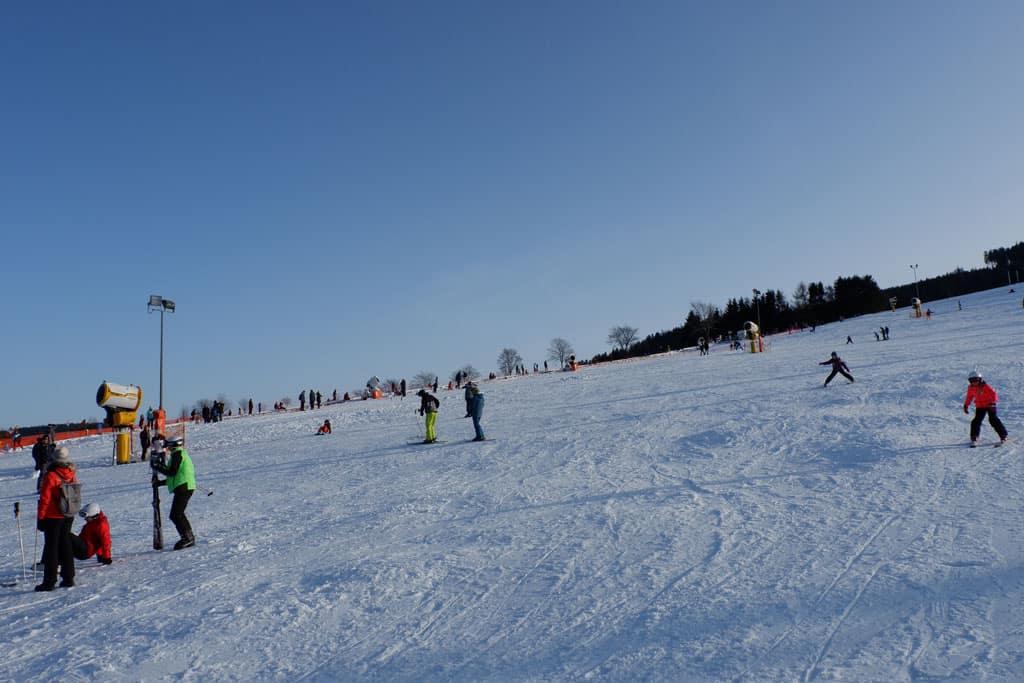 Blauwe pistes aan de voet van de Ettelsberg