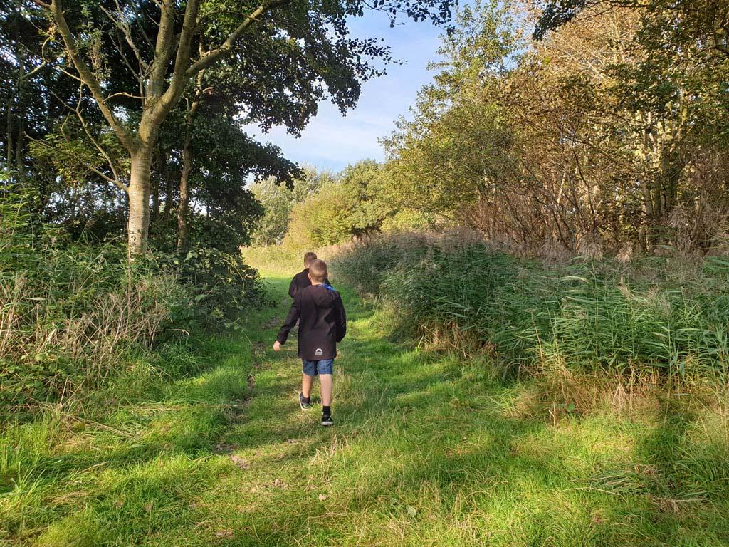 Om en op het park kun je heerlijk wandelen landal-sluftervallei-texel-23