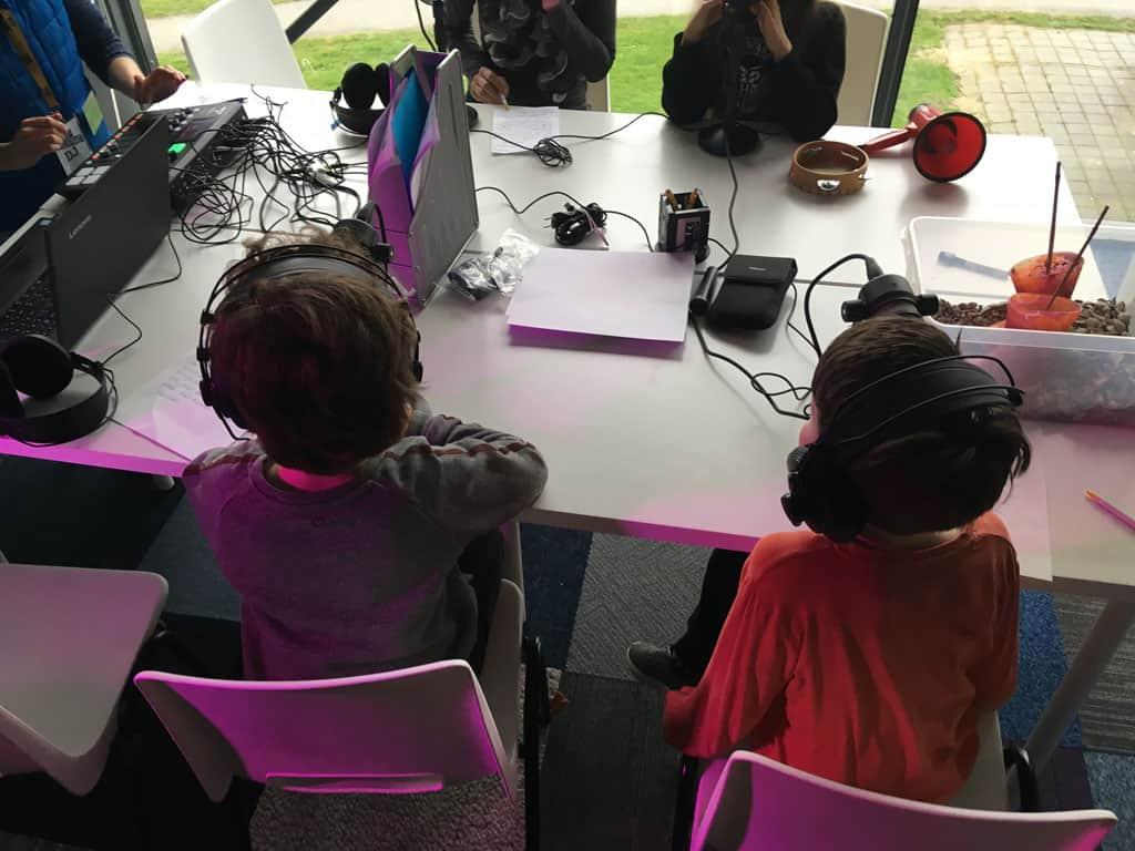 Podcast maken met kinderen, da's serieuze business zoals je ziet.