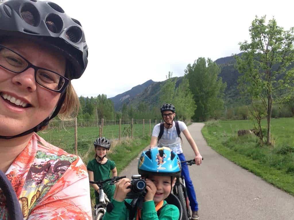 Mountainbiken in Catalonië doen wij in de Pyreneeën op een pad dat ook geschikt is voor gezinnen.