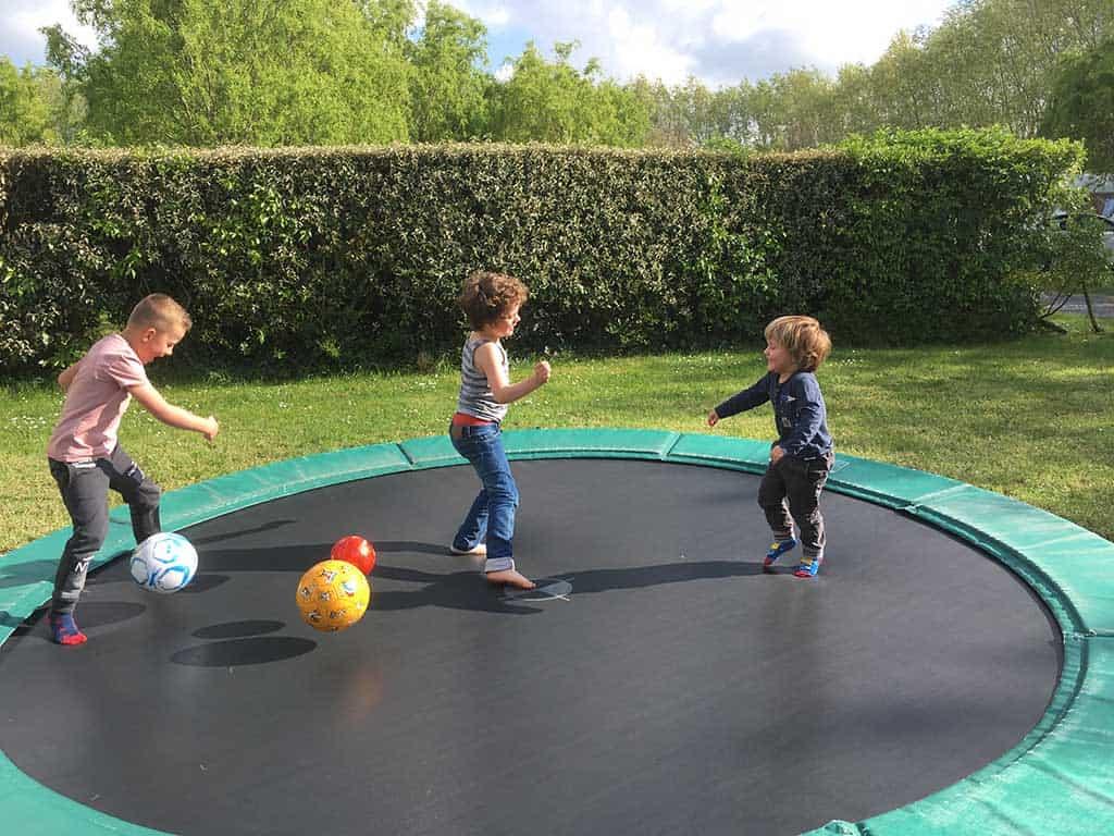Garantie voor een leuke vakantie: een trampoline!