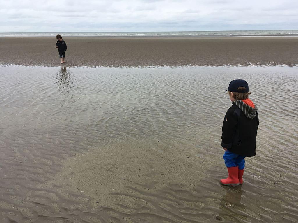Als je kiest voor overnachten bij Plopsaland De Panne kun je er heel makkelijk een bezoekje aan het strand aan vastknopen.