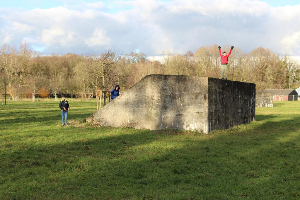 Tof, tijdens de wandelroute over het Bunkerpad kun je zelfs op de bunkers klimmen.