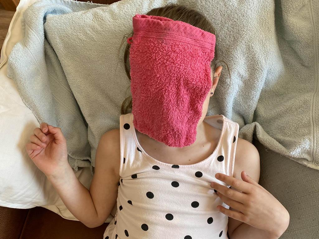 Een warme washand op je gezicht is ook lekker