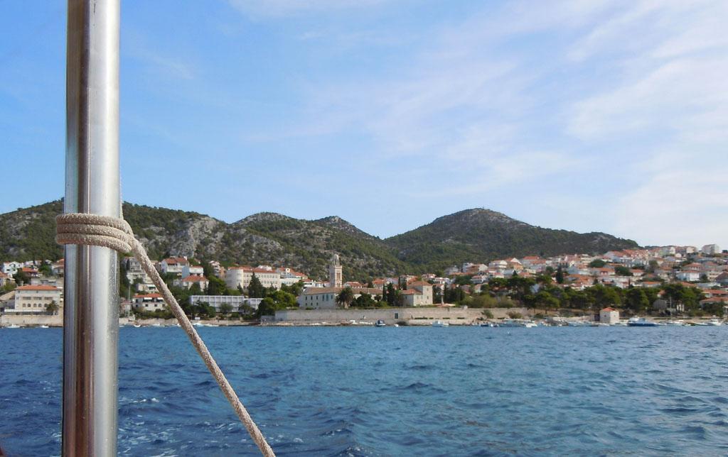 Hvar stad is mooi te bekijken vanaf het water kvarner-eiland-11