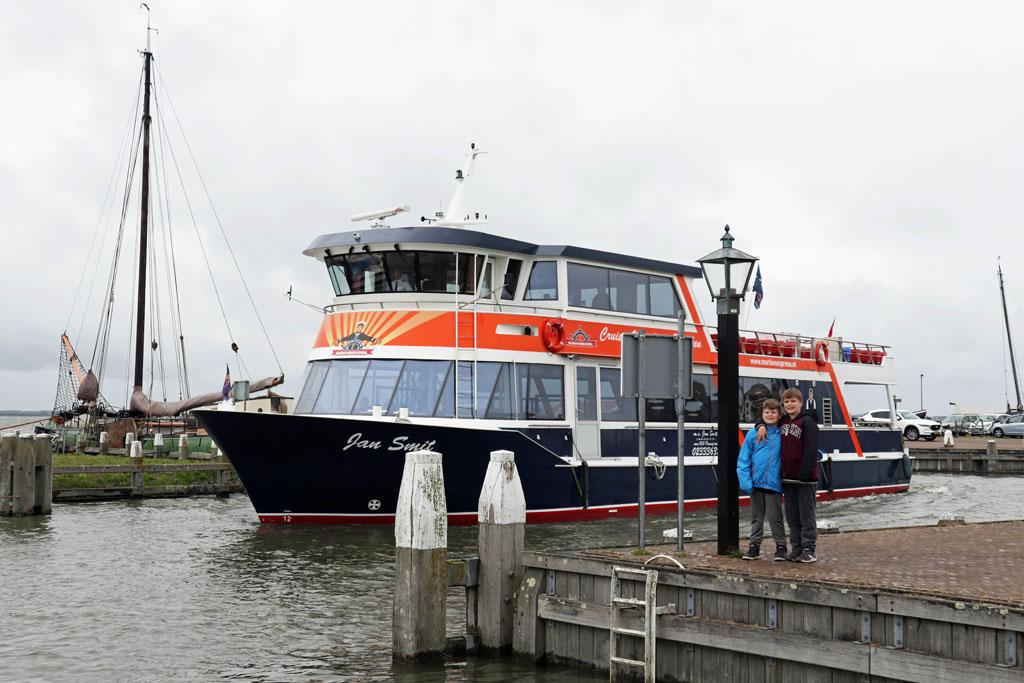 Wij gaan varen met de Marken Express volendam-met-kinderen-19