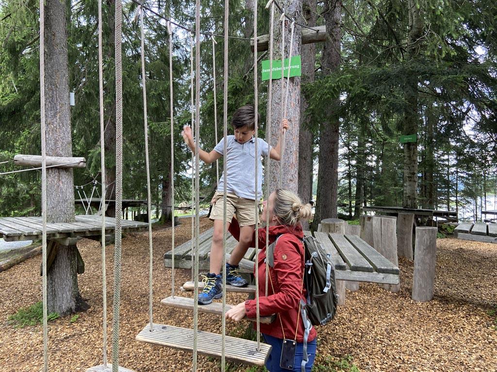 In Timoks Wilde Welt is een bosklimroute met 30 stations.