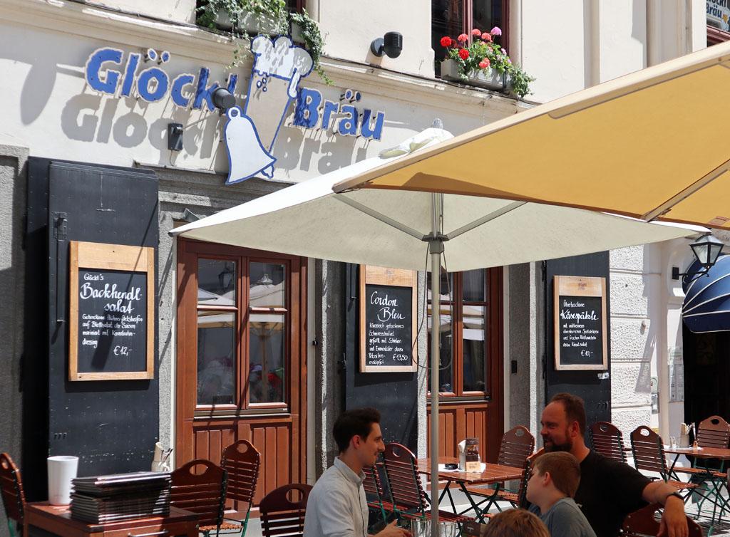 Bij Glöckl Bräu is het gezellig en lekker eten graz-met-kinderen-35