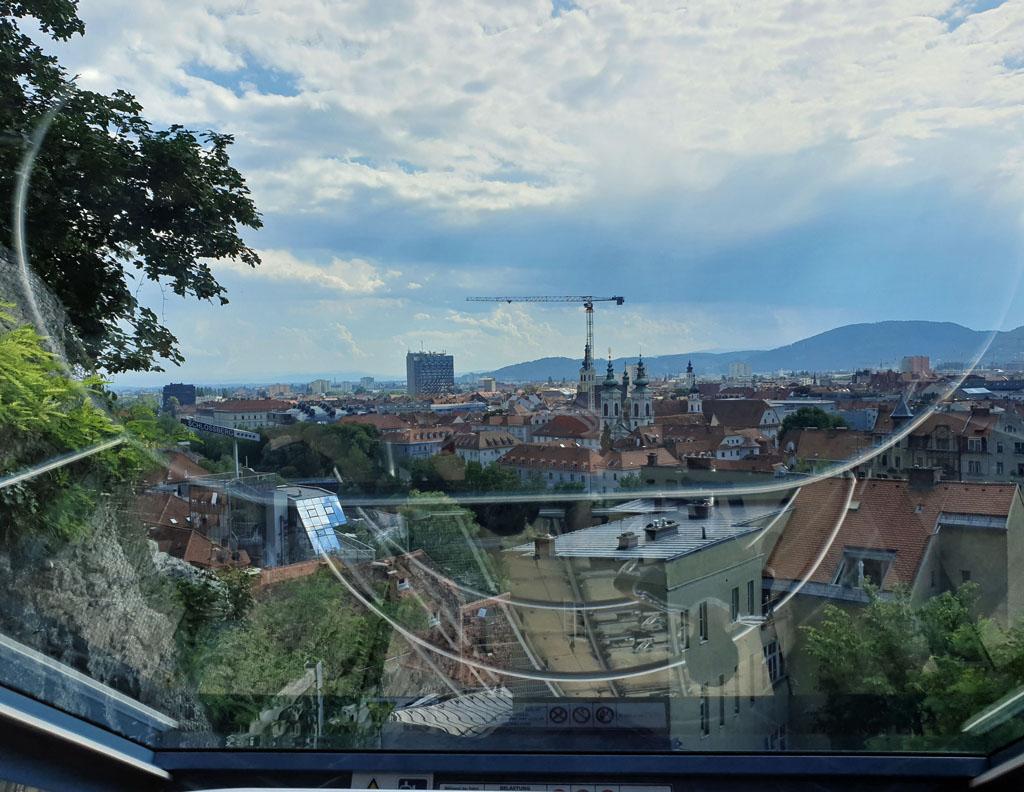 Onderweg naar boven zien we steeds meer van Graz graz-met-kinderen-8