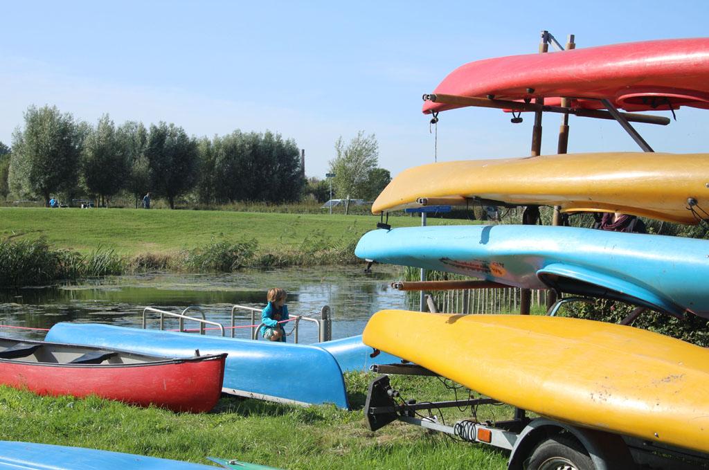 Je kunt hier ook kano's huren. Idee voor de volgende keer dat we hier zijn.