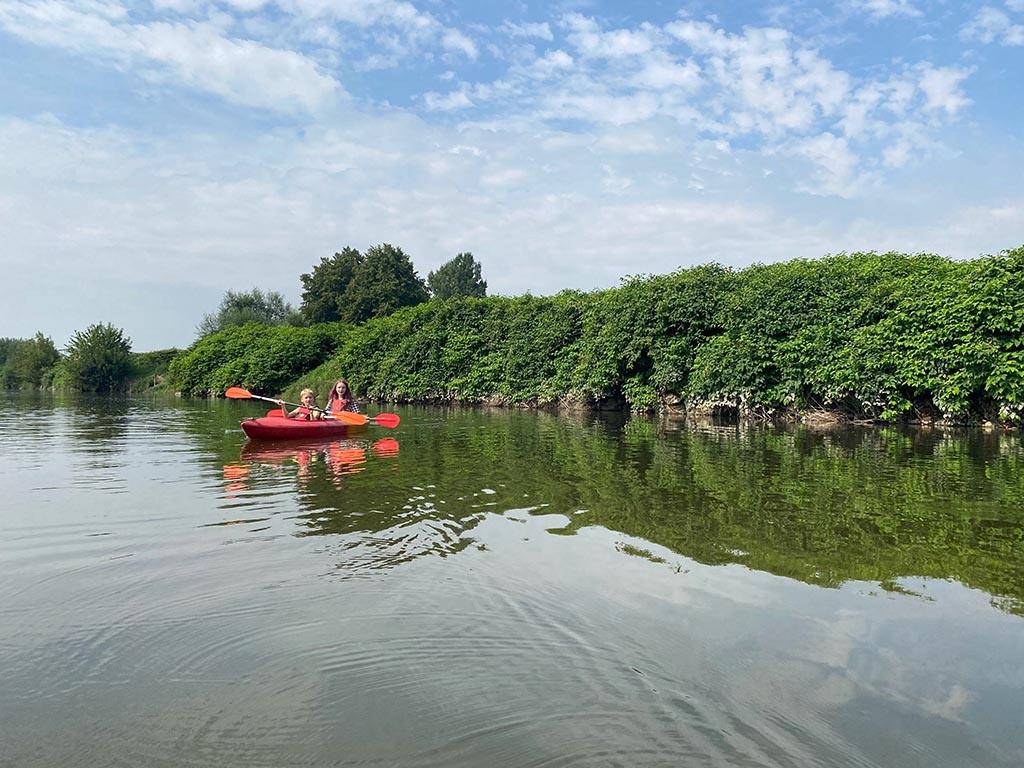 Wat een mooie omgeving voor een kanotocht