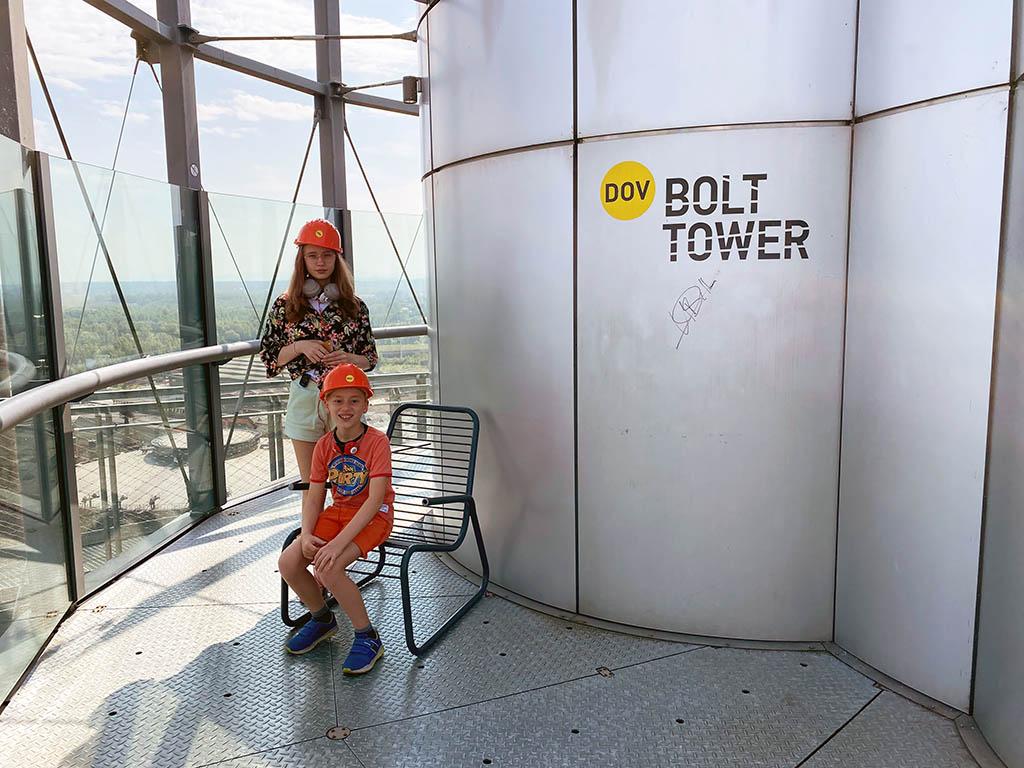 Met de oudste en de jongste bereik ik de top van de toren
