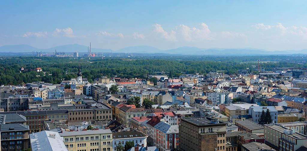 Bovenin hebben we een mooi uitzicht over de stad Ostrava en de omgeving