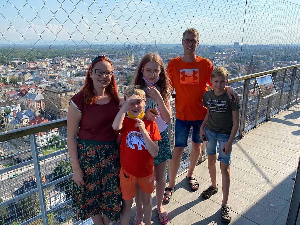 Op de top van de toren van het nieuwe stadhuis van Ostrava
