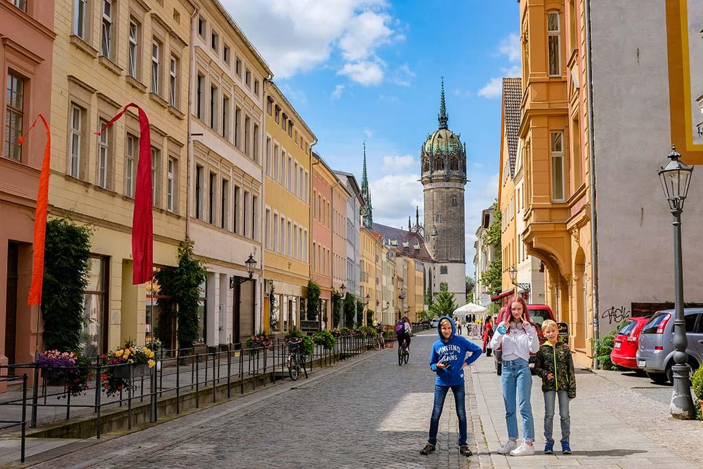 De mooie, kleurrijke stad Lutherstadt Wittenberg heeft een rijke geschiedenis