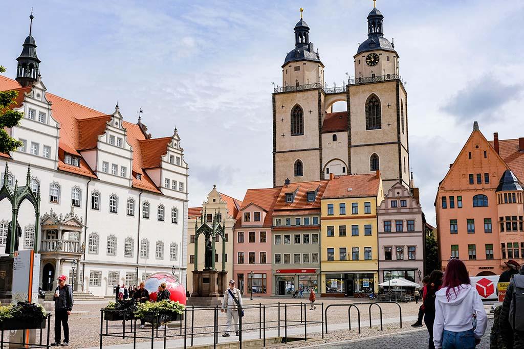 Het oude marktplein van Lutherstadt Wittenberg