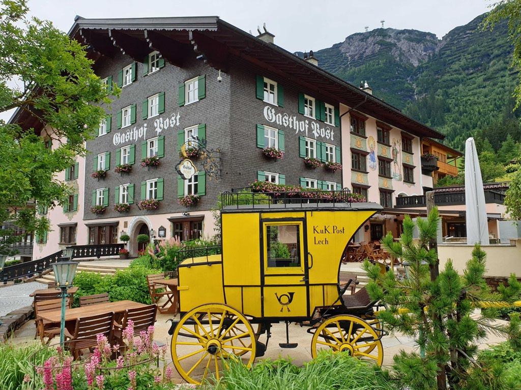Natuurlijk even kijken waar de royals logeren vakantie-lech-am-arlberg.1