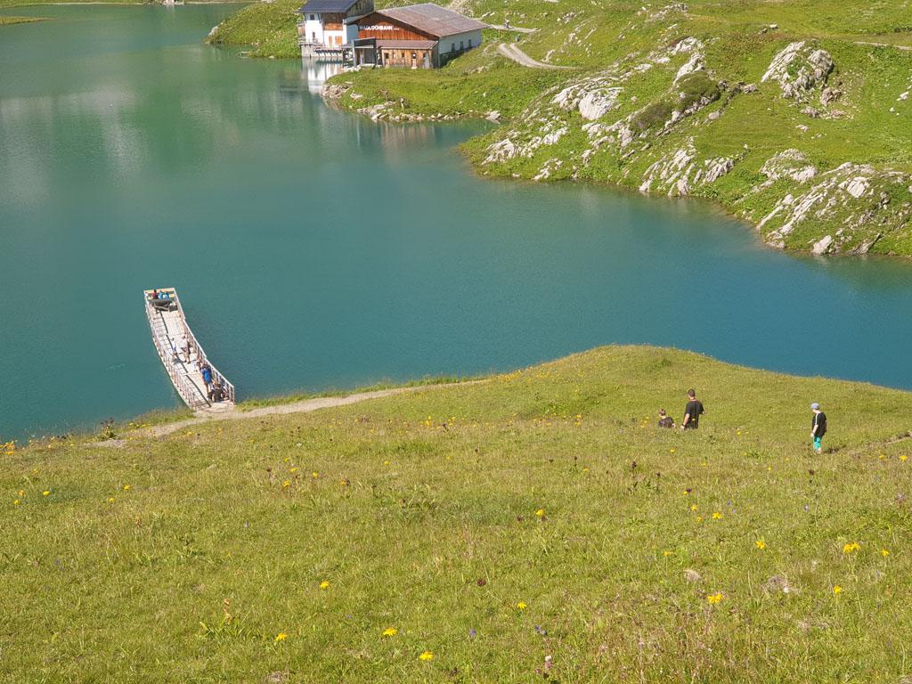 De mannen moesten en zouden naar de steiger vakantie-lech-am-arlberg.21