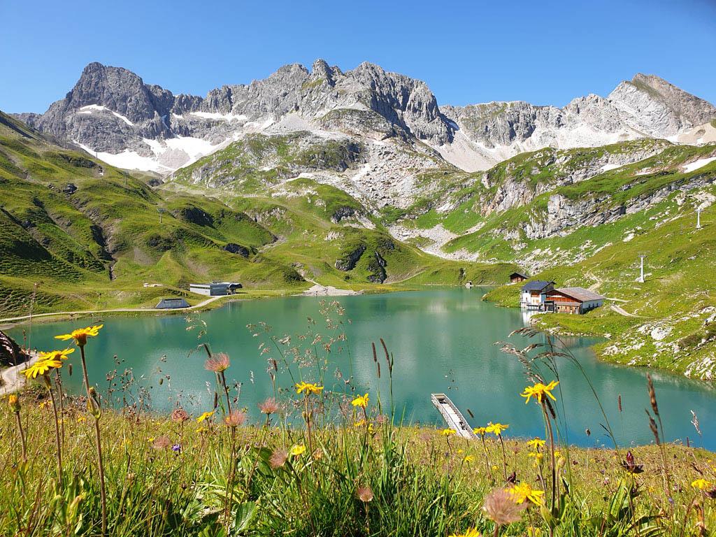 Deze plek gaat absoluut in onze mooiste plekjes van Oostenrijk top 10 vakantie-lech-am-arlberg.23