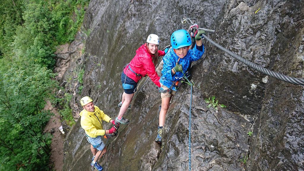 Voor kinderen vanaf 5 jaar is Klettersteigen te doen, hoewel je geen last moet hebben van hoogtevrees.