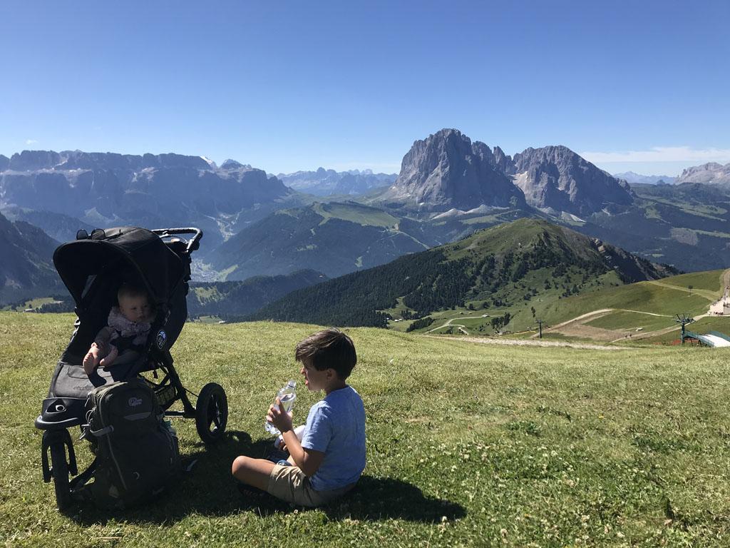 Zie je die strakblauwe lucht? In Val Gardena schijnt 300 dagen per jaar de zon!