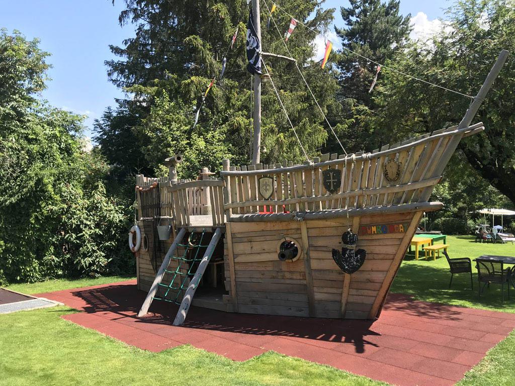 Met een echt piratenschip!