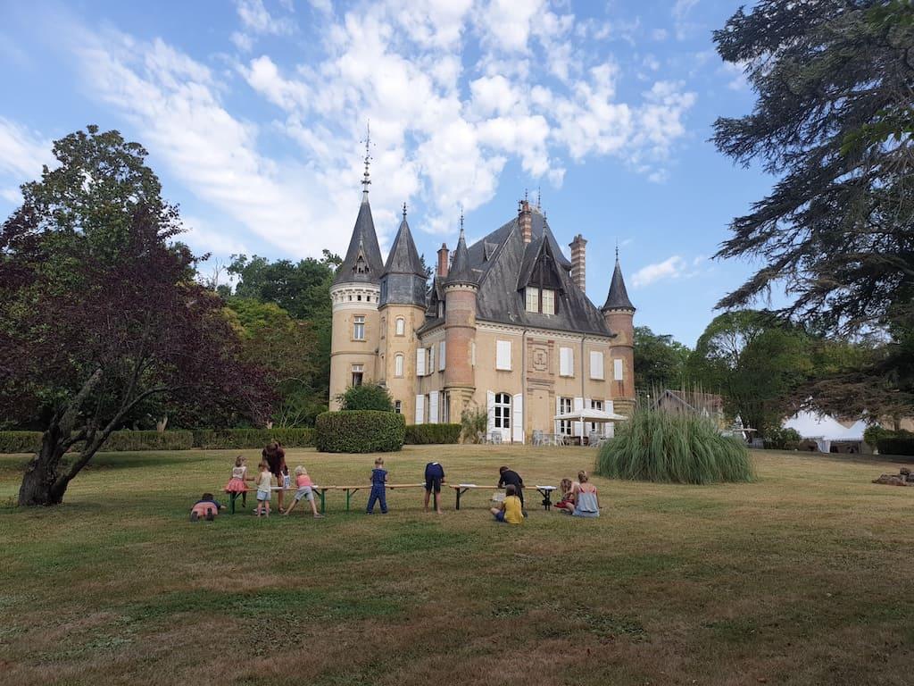 Kasteelcamping Le Haget in het zuidwesten van Frankrijk.