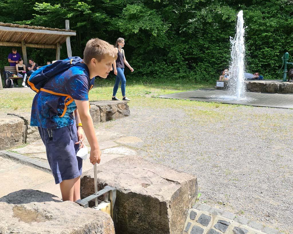 Zelfs als je 13 bent is spelen met water leuk Duisburg-met-RUHR.TOPCARD-62