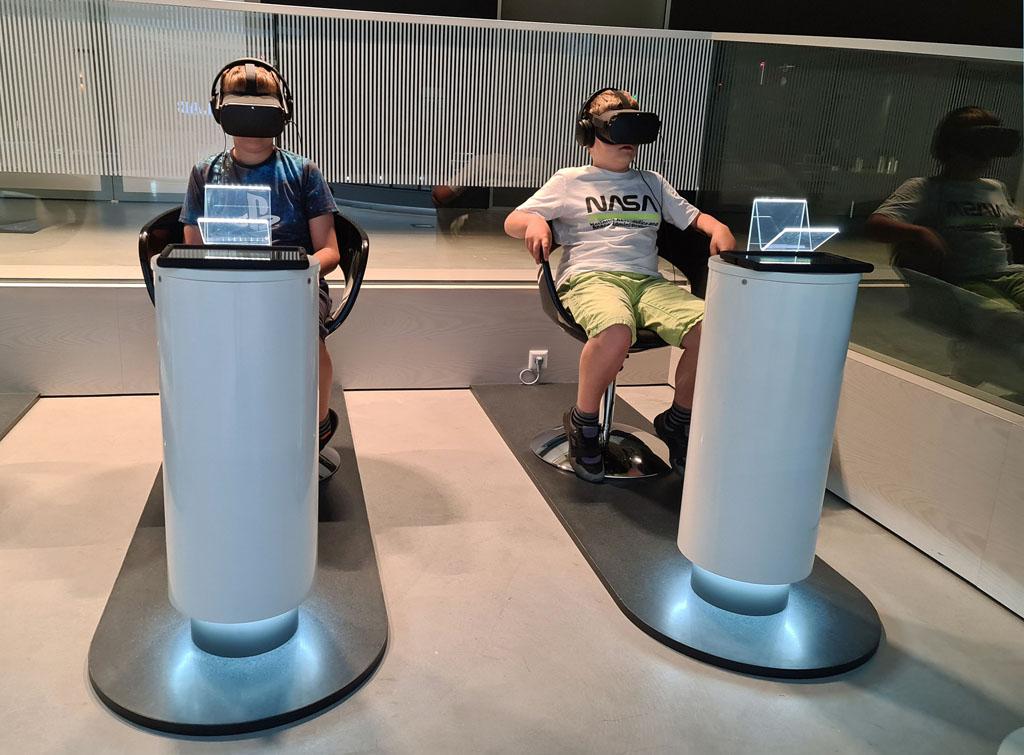 We beginnen met een VR beleving! Naar-jetbrains-techlab-in-amsterdam-12