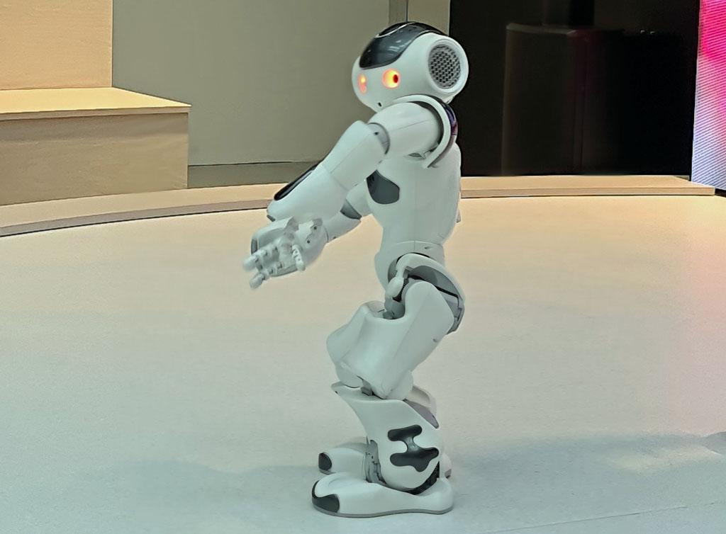 De kleine robot danst een tango voor ons. Naar-jetbrains-techlab-in-amsterdam-18